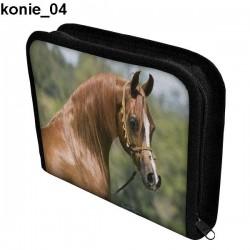 Piórnik 3 Konie 04