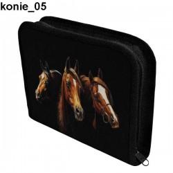 Piórnik 3 Konie 05