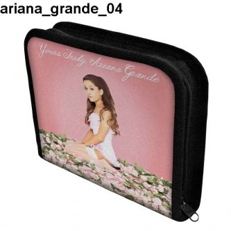 Piórnik 3 Ariana Grande 04