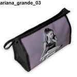 Kosmetyczka, piórnik Ariana Grande 03
